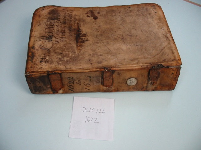 Fig. 6 DL/C/22, LMA, London – tacketed parchment binding with boards